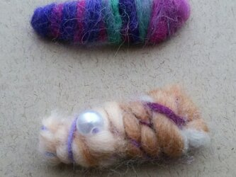紡ぎ糸のヘアピン二個セットの画像