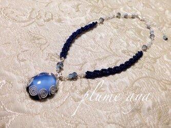 ライトブルーのネックレスの画像