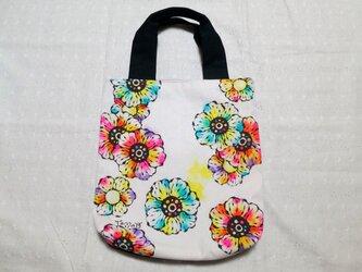 帆布のトートバッグ 01『花柄×黒白ドット柄』の画像