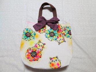 帆布のリボン付きトートバッグ(L)01『お花とネコ×紫の小花柄』の画像