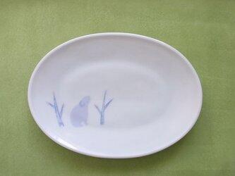 象嵌メロン灰青白磁 ナキウサギの楕円皿 の画像