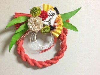 プリザリーフの真っ赤なしめ飾り【プリザ+造花】の画像