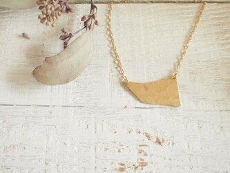 真鍮 かけらネックレスの画像