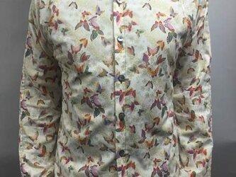 長袖和柄シャツ(桜吹雪に蝶々)の画像