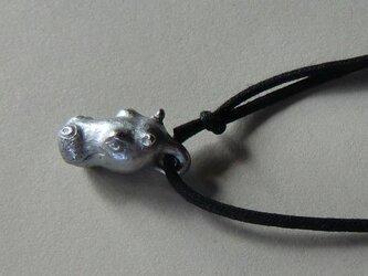河馬頭のペンダントの画像