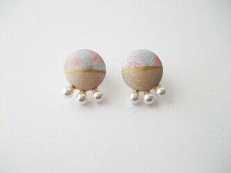 木製シェルパールイヤリング(ピンク)の画像