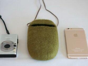 iPhoneポシェット cocoon(オリーブ)Lサイズの画像