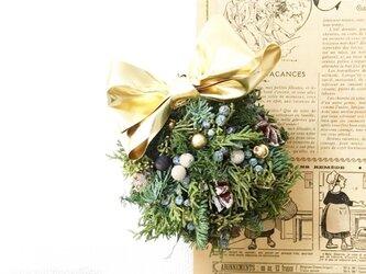 nordic christmas ball wreathの画像