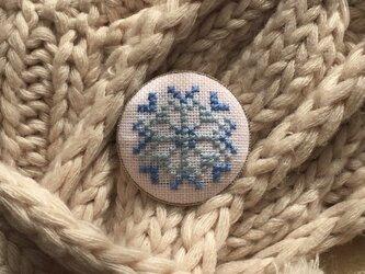 M様専用 雪の結晶ブローチの画像