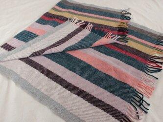 手織り ひざ掛け ブランケット グレー系の画像