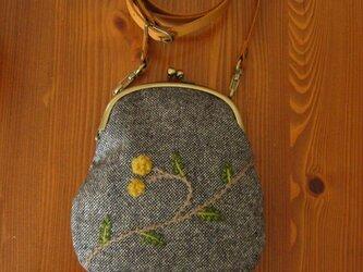 手刺繍・がまぐちポシェット(ponpon-hana)の画像