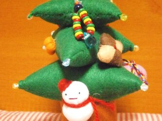 フェルトのクリスマスツリーの画像