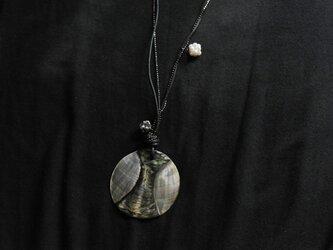 『Monotone』ペンダント(Shell top)の画像