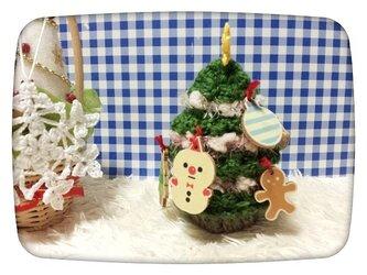 手編みのクリスマスツリーの画像