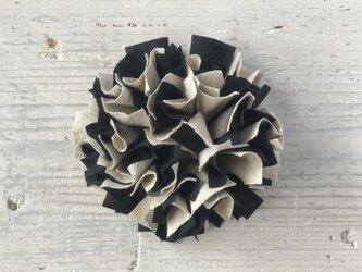 モノトーン◇コットンリネンとラメチュールのひらひらシュシュ/黒×ベージュの画像