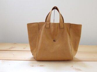手縫い本革 new kuta tote (キャメル)の画像