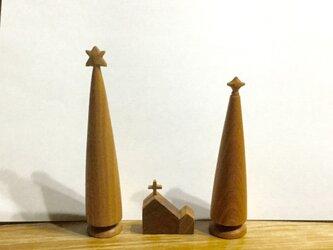 【受注制作】ツリーと小さな教会の画像