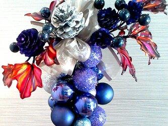 クリスマスリース青紫の画像