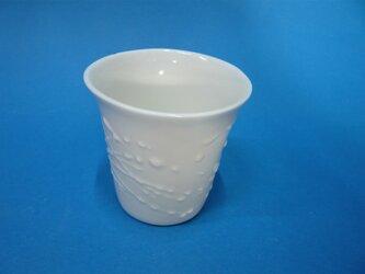 白磁イッチン湯のみ縦型の画像