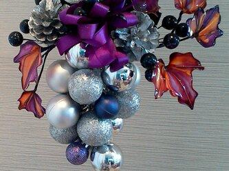 クリスマスリース銀の画像
