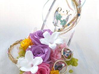 【プリザーブドフラワー/ガラスの靴リングピロー/ウェディング】プリンセスの金色の髪の魔法と自由と幸せの画像