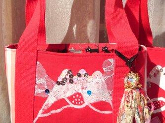 赤富士ミニトートバッグ タッセル付きの画像