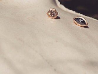 K10 Diamond Asymmetry pierceの画像
