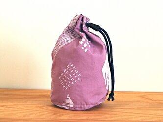 丸底巾着(M)/紫(頑固な菱形柄)の画像