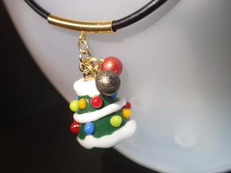 香るとんぼ玉のクリスマスツリー・アロマペンダント(手作りガラス)の画像