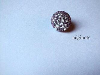 *木*小さい小さい刺繍ブローチの画像