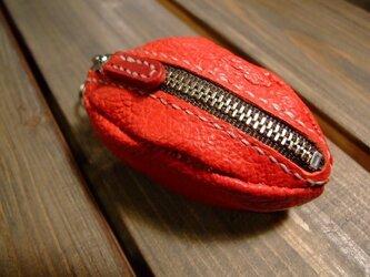 ヤギ革で作った赤いコインケースの画像