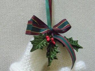 ニットで編んだベルの飾り物の画像