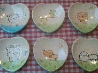 ハートの小皿の画像