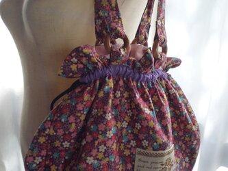 和柄の巾着バッグの画像