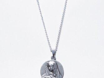 聖母のネックレスペンダントの画像