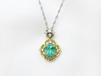 lace エメラルドネックレスの画像