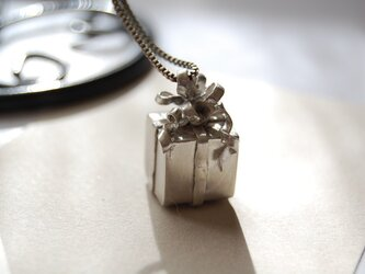 カールリボンのプレゼントBOX[SILVER950]の画像