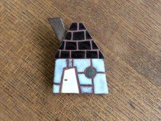 煙突の家ブローチ(№230)の画像
