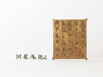 【受注生産】4zk alphabet font  p.earringsの画像