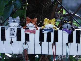 ピアノの鍵かけの画像