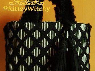 【受注生産】ブラックファーが可愛い冬の刺し子風トートバッグ(菱さし模様)の画像