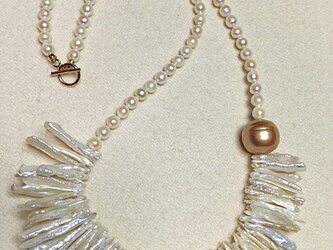 pearl fringe necklaceの画像