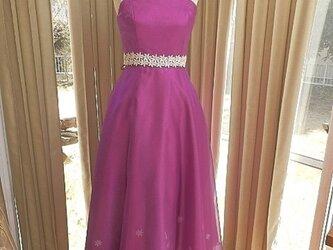 中学生のためのドレスの画像
