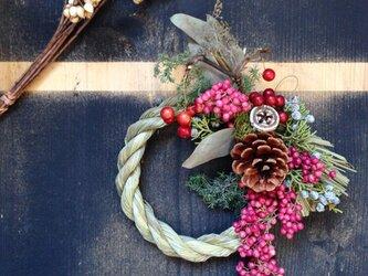 お正月飾り 桃の画像
