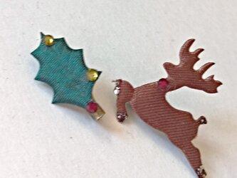 【ひいらぎ と トナカイの サテンブローチ】クリスマスに間に合います。の画像