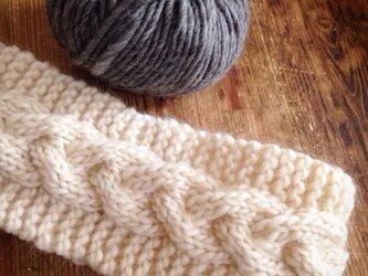 【受注製作】ちょっぴり幅広☆ホワイトなわ編みのヘアバンドの画像