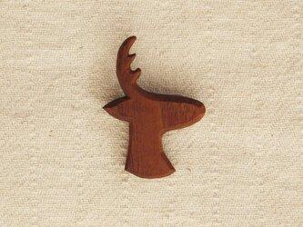 ブローチ 『鹿』 ブラックウォールナット材の画像