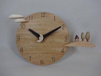 木製時計-丘の家(楠)の画像
