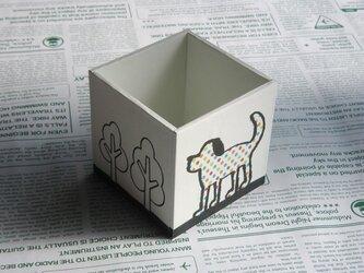 犬のペン立ての画像