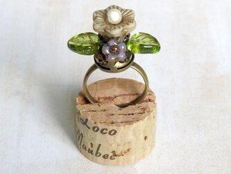 お花の指輪(マットベージュ)の画像